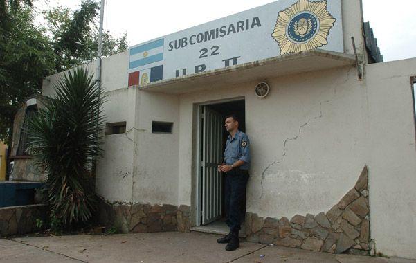 En Santa Lucía. La denuncia involucra a tres efectivos que prestaban servicio en la subcomisaría de Forest y Donado.