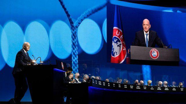 En el Congreso de la UEFA en Montreux