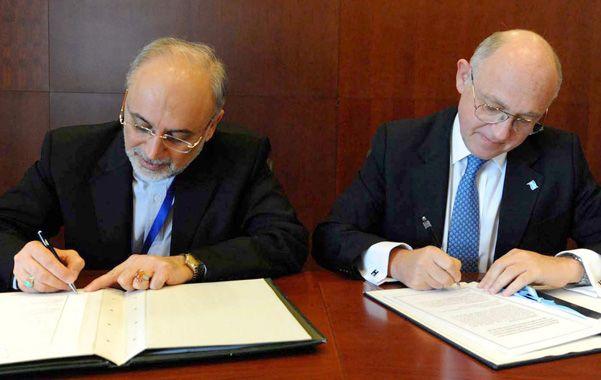 Rúbrica. Los cancilleres Ali Akbar Salehi (Irán) y Héctor Timerman (Argentina) firmaron el acuerdo en enero de 2013.