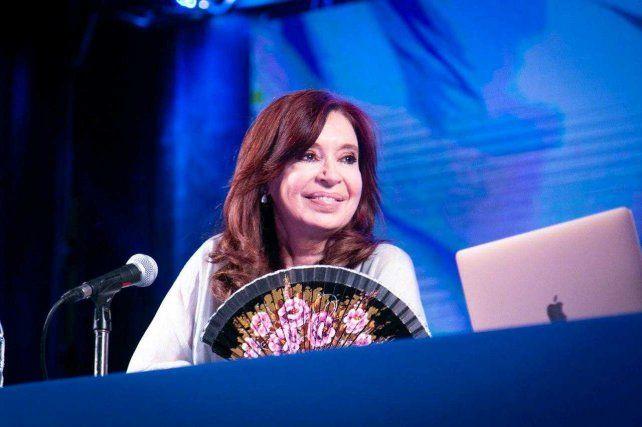 Cristina Fernández: La gente no vota a un presidente para que le eche la culpa a otro