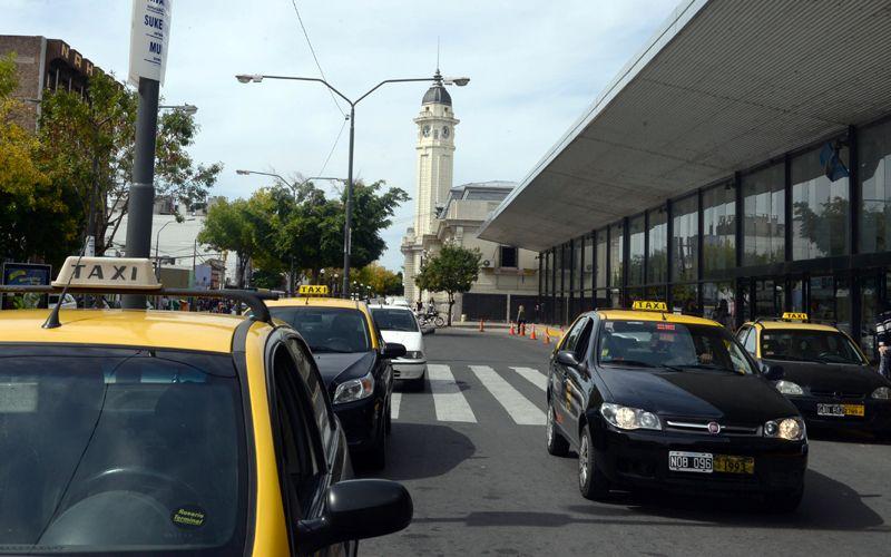 Los taxistas se iban a reunir esta mañana en el sindicato para evaluar las medidas a aplicar.