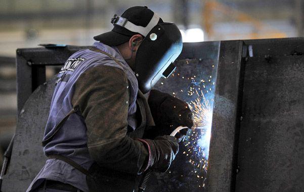 Panorama. La devaluación de principio de año no logra compensar los aumentos de costos en la industria. (Foto: C. Mutti Lovera)
