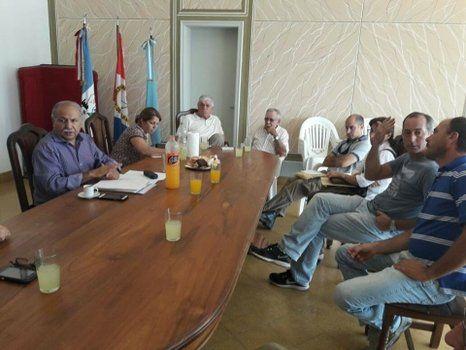 Preacuerdo. A la reunión en la Comisión de Fomento de Chovet asistieron variados sectores agropecuarios.