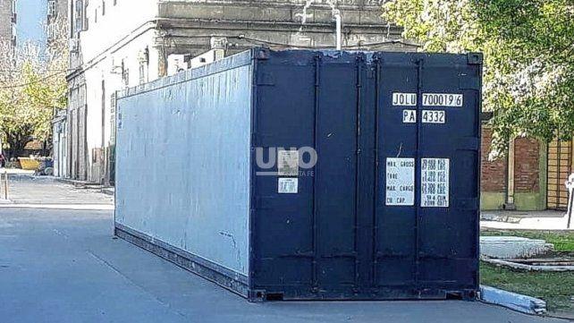 contenedor-refrigerado-fue-instalado-este-miercoles-el-hospital-jose-maria-cullen