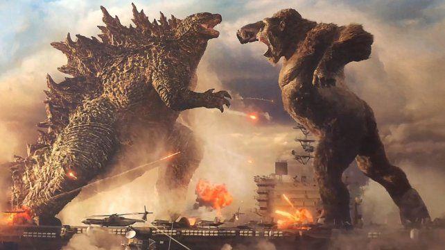 Godzilla y King Kong tienen una batalla épica con los humanos como espectadores.