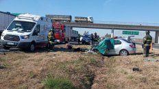 El conductor del Logan era de Rosario y falleció en el lugar tras impactar contra un camión a la altura de San Lorenzo.