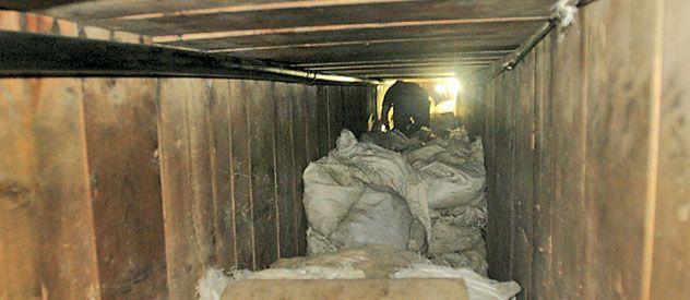 Toneladas de marihuana en el narcotúnel localizado en Tijuana.