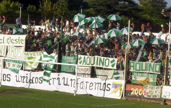 Dos barras de Ituzaingó se habrían enfrentado en su disputa por el poder en la hinchada del club. (foto archivo)