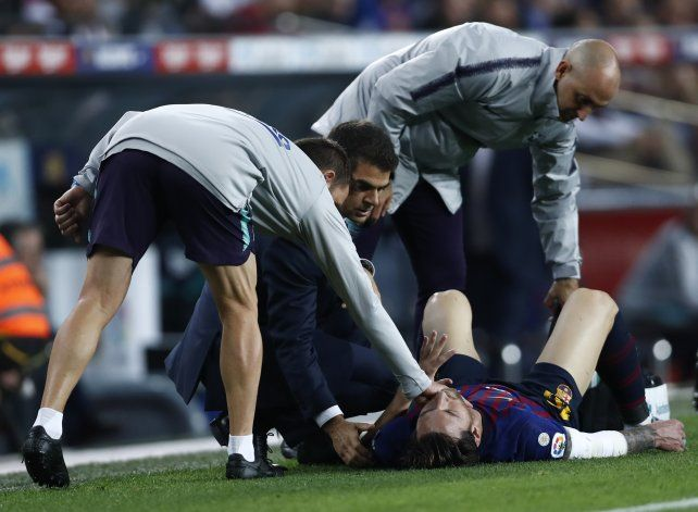 Messi se lesionó y encendió luces de alarma