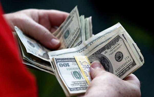 En ascenso. La compra de dólar ahorro fue récord en los últimos meses.