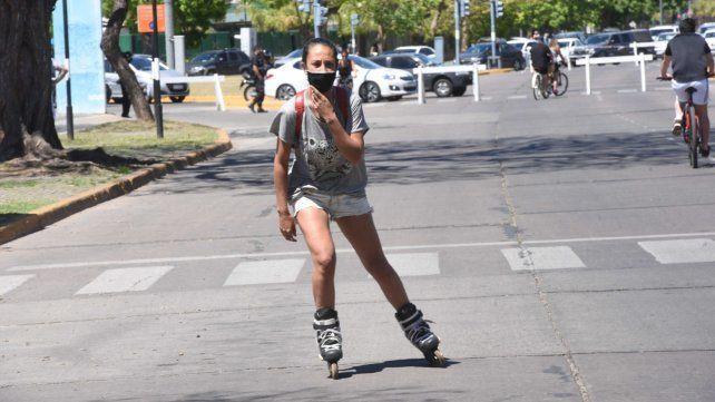 Hubo dos nuevas muertes y 417 contagios en la provincia, en tanto que Rosario sumó 82 positivos