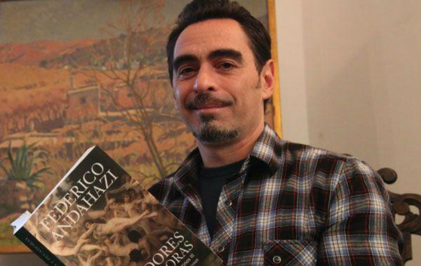 El autor de El anatomista acompañó la presentación de El libro de los placeres prohibidos