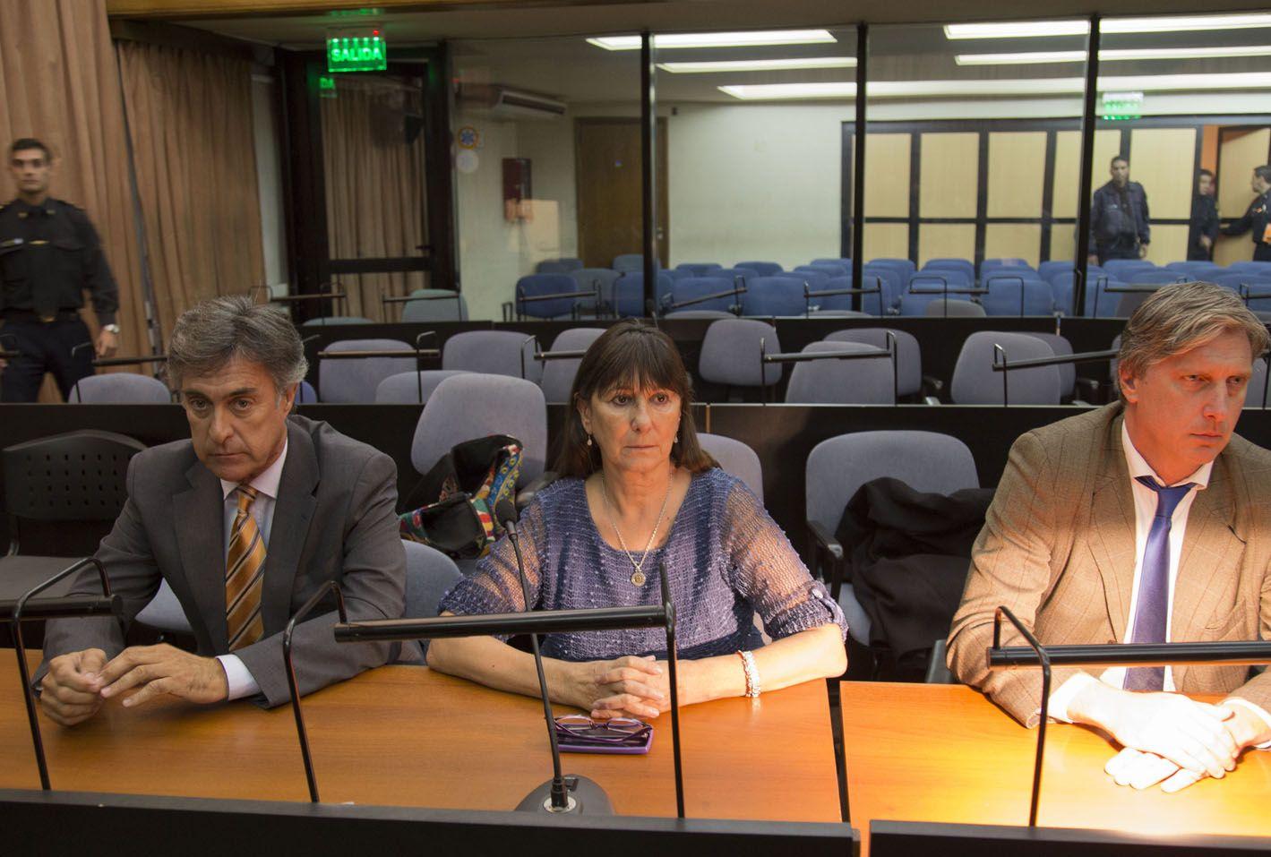 En el banquillo. Felisa Miceli lloró ayer frente a los integrantes del Tribunal Oral Federal Nº 1.