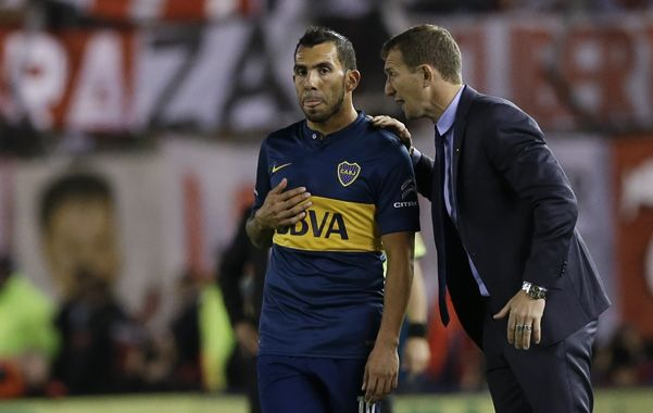 El mejor. Arruabarrena valoró una vez más la presencia de Tevez en Boca.