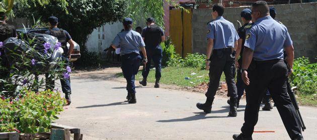 La policía desembarcó fuerte a fines de marzo en barrio Tablada.