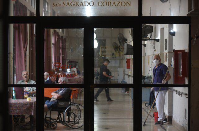 Coronavirus: un tercio de los fallecidos vivía en residencias geriátricas