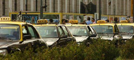 Fuerte control para asegurar que haya taxis y remises durante las fiestas