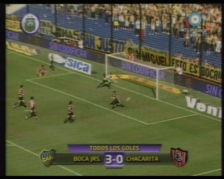 Boca goleó a Chacarita y mantiene sus aspiraciones en el torneo