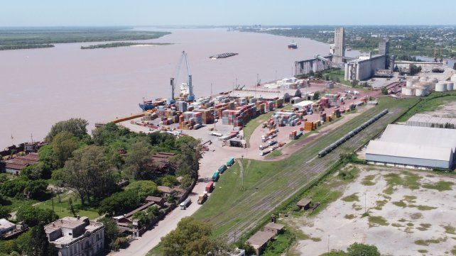 El Enapro controla las concesiones en el área portuaria.