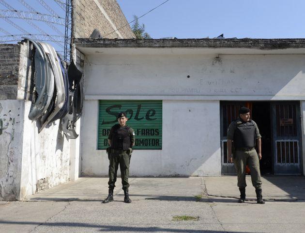 El juez Suárez dictó el cese de la clausura de los 23 desarmaderos allanados. (Foto: S. Salinas)