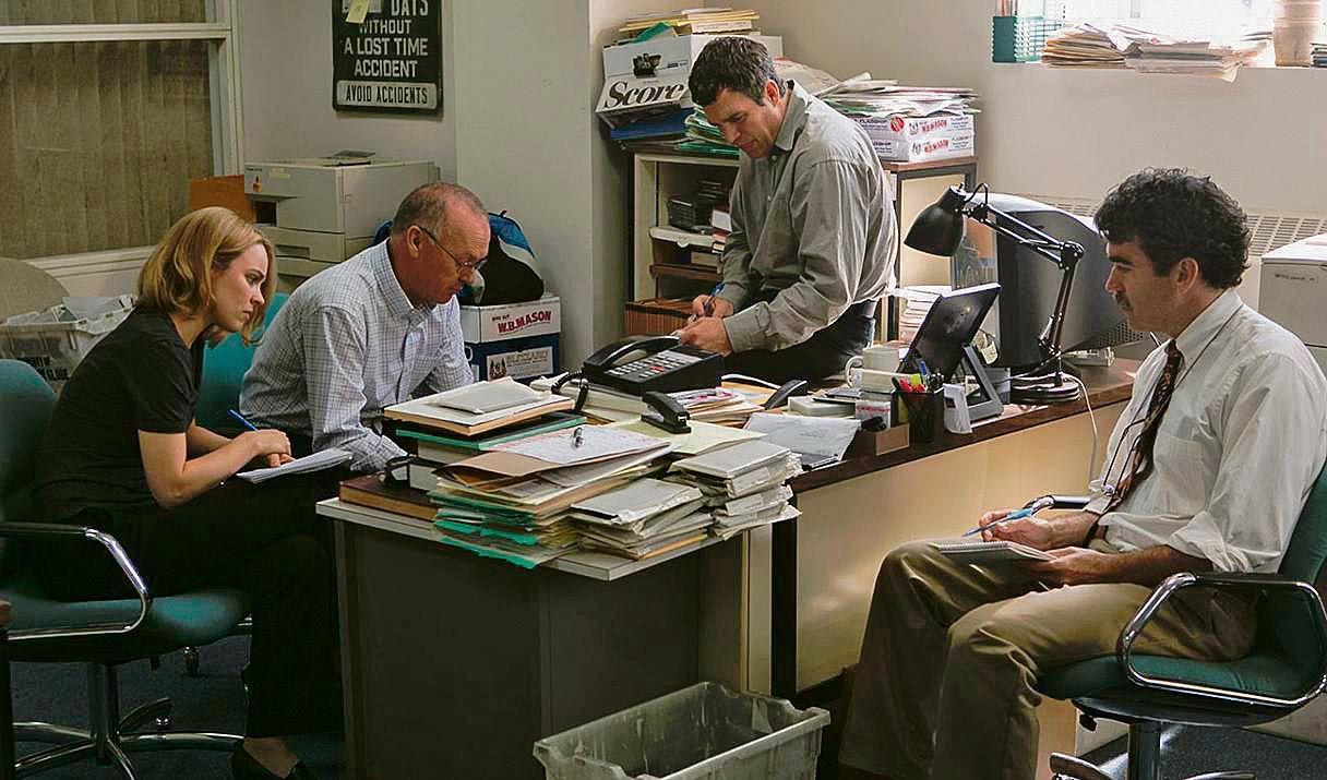 La redacción. El grupo de Spotlight son los encargados de producir noticias para las notas de la primera plana.