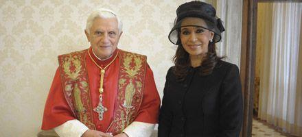 Para Benedicto XVI, el tratado de paz forma gran parte de la historia
