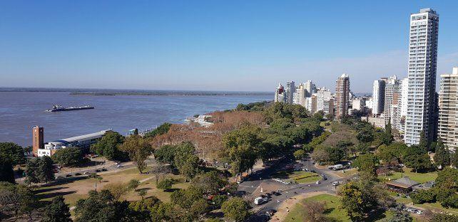 La relación entre los habitantes de las provincias comprendidas en la cuenca del río Paraná y el patrimonio natural de la región se cuestiona en el cuerpo de la demanda presentada por las organizaciones ambientalistas.