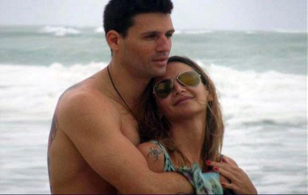 Amalia y su pareja Juan Pablo Dematteis junto a su hija Uma