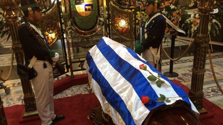 Los restos de la actriz son despedidos en la capital uruguaya.