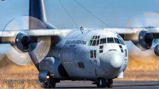 Un avión Hércules de la Fuerza Aérea sobrevoló este lunes la ciudad.