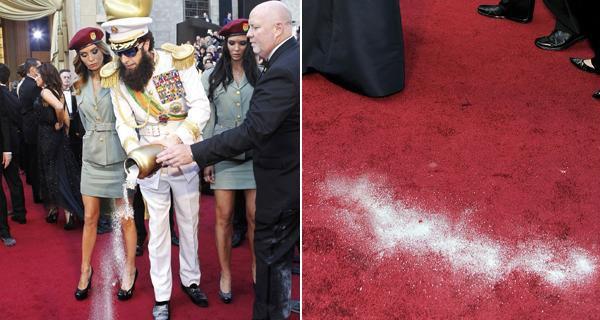 Sacha Baron Cohen tiró cenizas en la alfombra roja de los Oscar