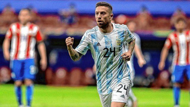 Argentina venció a Paraguay y lidera el grupo A