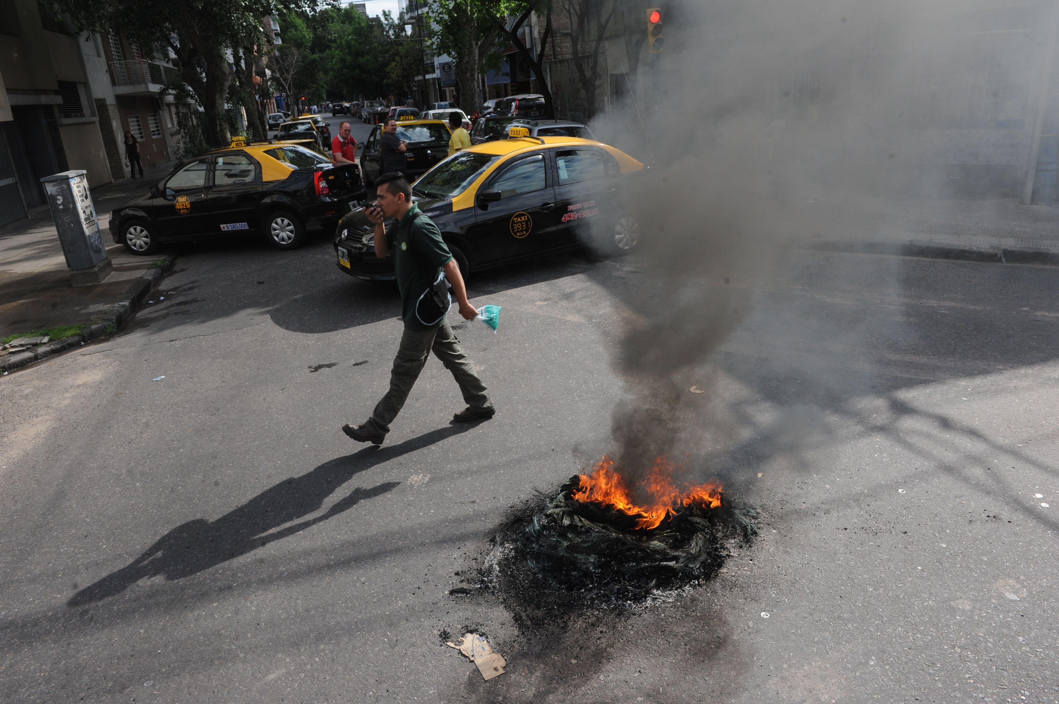 Protesta. Los taxistas vienen realizando movilizaciones para exigir mayor seguridad. (Foto: S.S.Meccia)