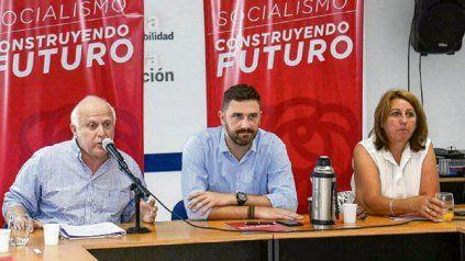 Mónica Fein y Enrique Estévez, dos de los dirigentes de distintas generaciones del PS que deberán liderar el partido.