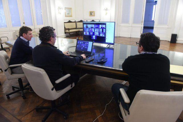Javkin lanzó Vidrieras en red en la que ya se inscribieron más de 2 mil comerciantes rosarinos