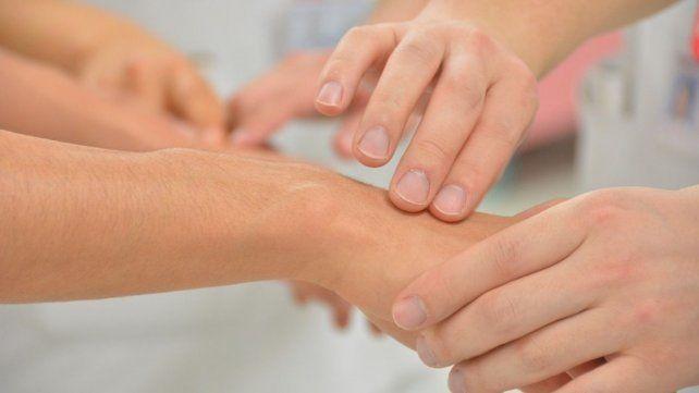 Para contrarrestar las secuelas que la sarcopenia puede dejar en el cuerpo se necesita tiempo de rehabilitación.