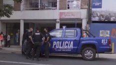 en un confuso hecho, ladrones fueron a robar en un departamento y terminaron peleandose a cuchillazos