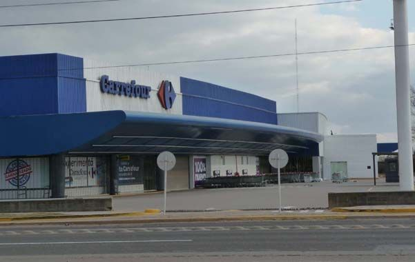 En rebeldía. Carrefour fue el único supermercado que se opuso de lleno a la medida del descanso dominical.