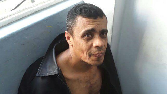 El atacante quedó detenido por la Policía Militar de Minas Gerais.