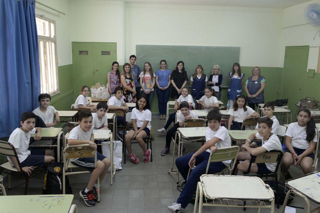 Las postales de las escuelas serán diferentes a partir de hoy. (Silvina Salinas / La Capital)