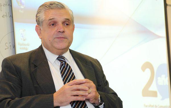 Ricardo López Murphy llamó a corregir los excesos del crecimiento espectacular de los empleados públicos.