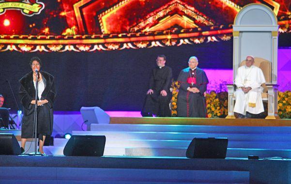 Espectacular. Aretha Franklin canta ante el pontífice en el cierre del encuentro de las familias en Filadelfia.
