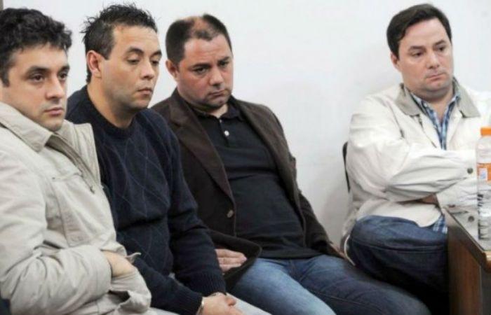 Martín y Cristian Lanatta y Victor Squillaci Bonini durante el juicio donde fueron condenados.