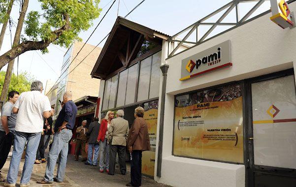 Flamante. El espacio que ocupa el Pami en Funes fue ayer epicentro de las actividades en la ciudad.