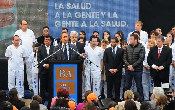 El gobernador Daniel Scioli inauguró un nuevo hospital