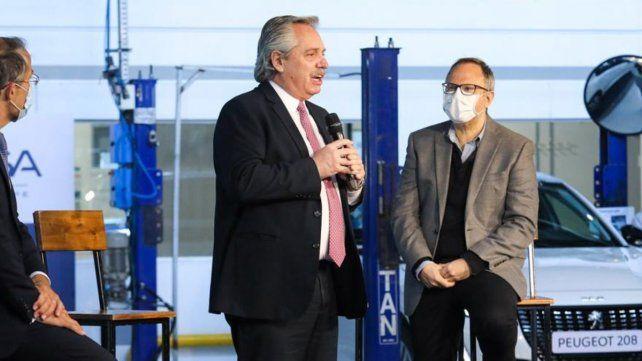 Acto. El presidente en la planta de Peugeot.