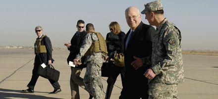 Dick Cheney, vicepresidente de EEUU, llegó en visita sorpresa a Bagdad