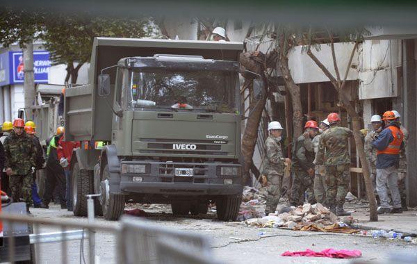 """El gobernador aseguró esta mañana que provincia y Nación """"trabajan conjuntamente"""" en el lugar del siniestro. (Foto:F. Guillen)"""