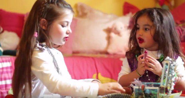 Antonella tenía seis años cuando fue atropellada por un conductor que cruzó en rojo en Salta y Lagos. La imagen es de un spot publicitario que la recuerda y que promueve la donación de órganos.