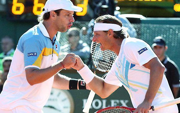 Vale doble. Zeballos y Nalbandian gritan con todo la gran victoria ante la pareja francesa en el tercer punto de la serie de la Copa Davis.